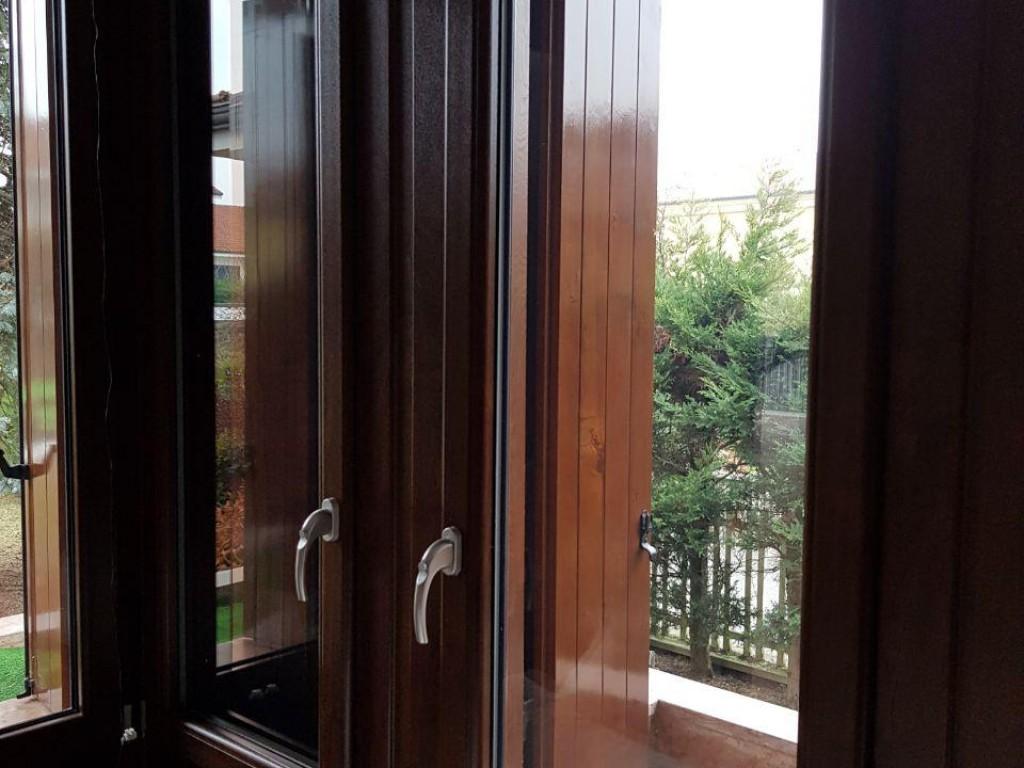 Finestre in pvc qualit ai migliori prezzi ri okna - Migliori finestre pvc ...